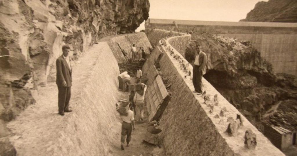 Construcción de una presa en la isla de La Gomera